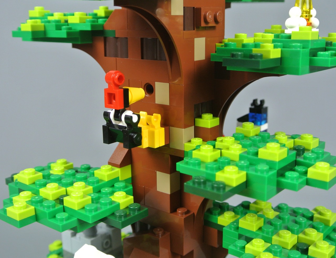 Flickr.com - CC License 20 - LEGO House Tree of Creativity - Foto by Brickset